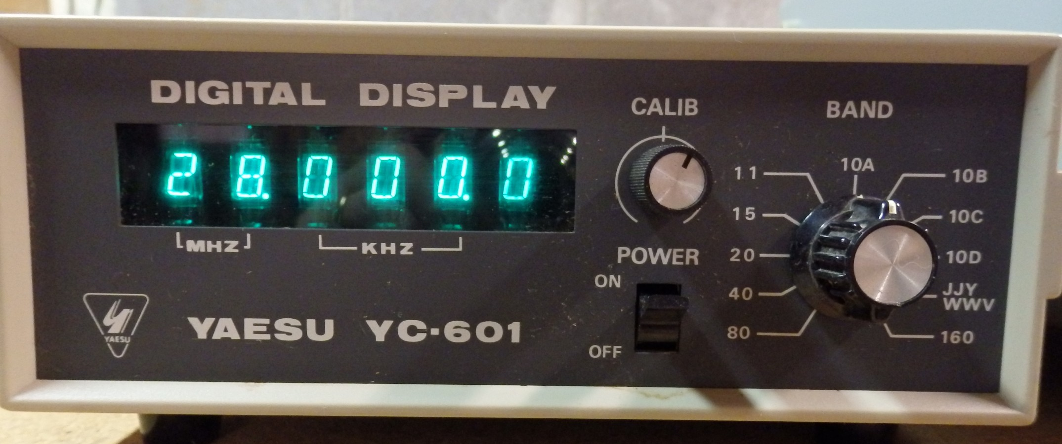 YAESU FT-101EE HAM RADIO, FV-101B VFO, YC-601 FREQUENCY COUNTER HAM RADIO